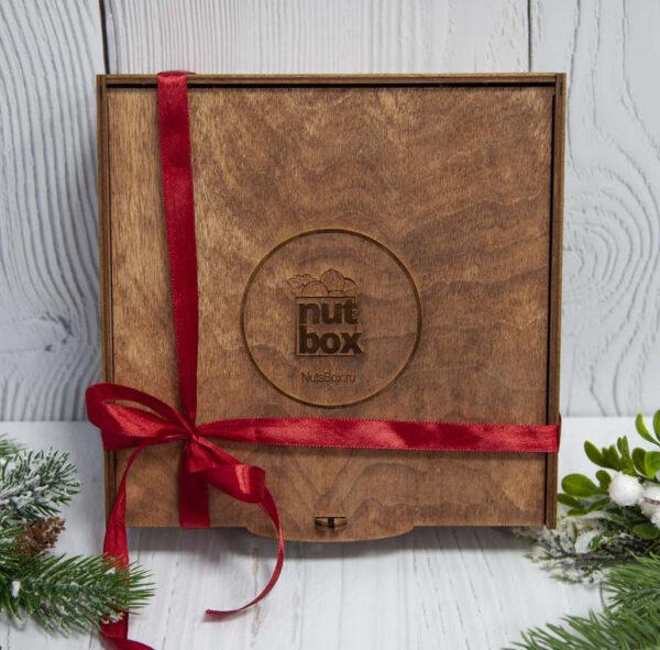 Люксовый подарочный набор в деревянной коробке
